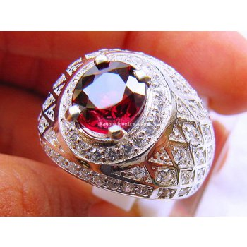 SPARKLING HOT RED GARNET  batu permata